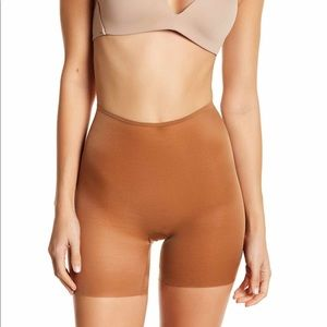SPANX Skinny Britched Girl Shorts Nude 3.0 SMALL